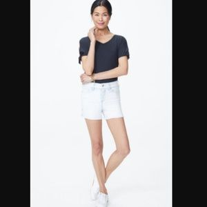 "NYDJ 4"" Denim Shorts With Star Rivet"